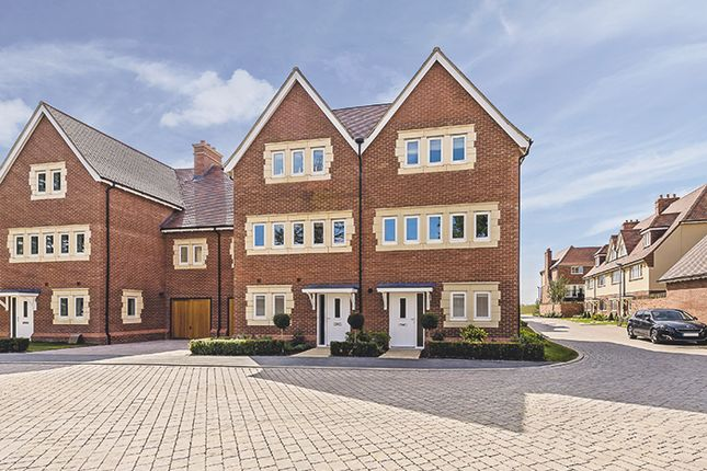 Thumbnail Terraced house for sale in The Ridgeway, Mill Hill