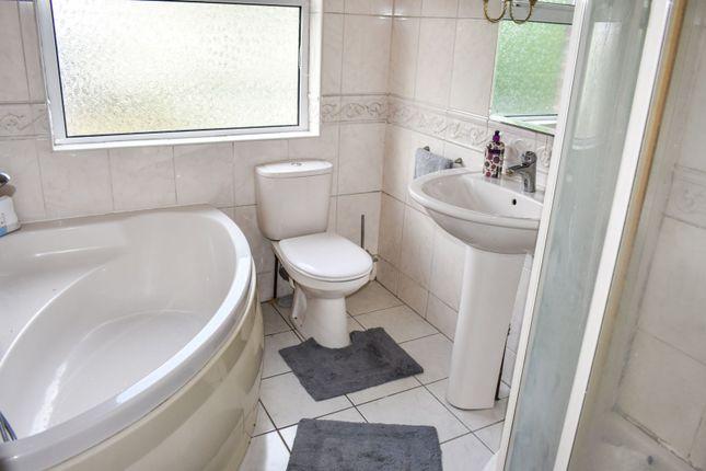 Bathroom of Malory Gardens, Lisburn BT28
