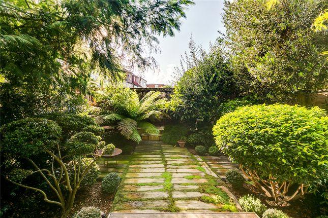 Garden of Byfeld Gardens, Barnes, London SW13
