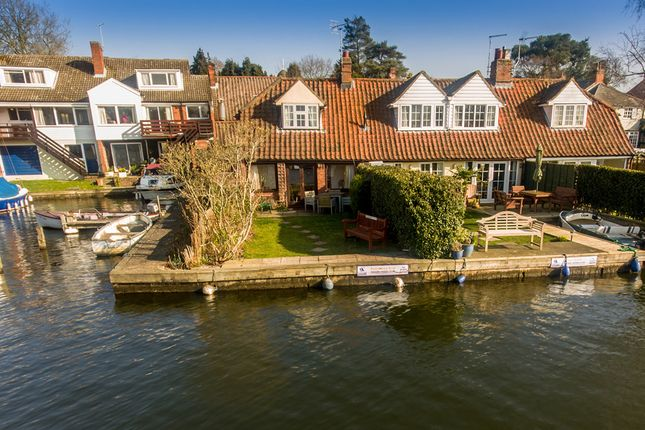 Thumbnail Cottage for sale in Lower Street, Horning