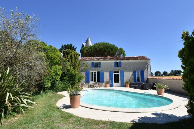 Thumbnail Villa for sale in Muron, Charente-Maritime, Nouvelle-Aquitaine