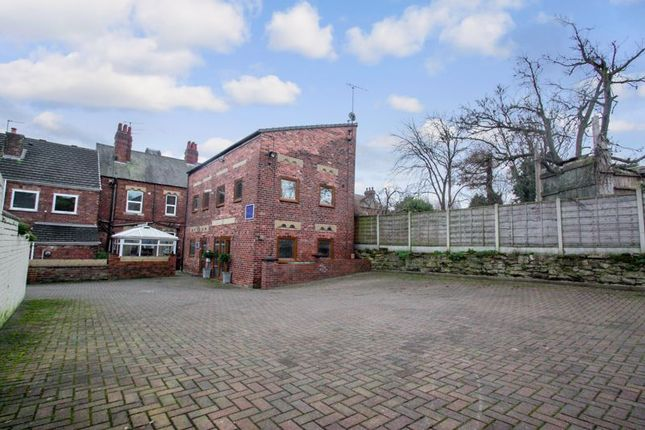 Photo 14 of Tower House Guest House, Pontefract, West Yorkshire WF8