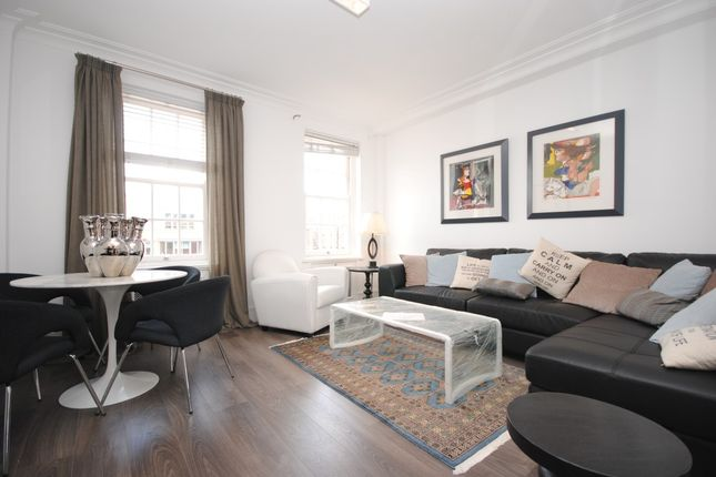 Flat to rent in Grosvenor Street, London
