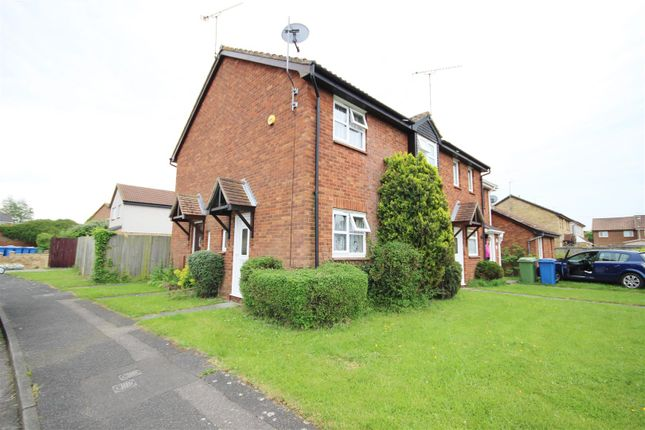 1 bed property to rent in Whimbrel Close, Kemsley, Sittingbourne ME10