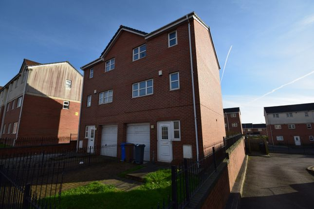 Thumbnail Semi-detached house to rent in Blueberry Avenue, Manchester