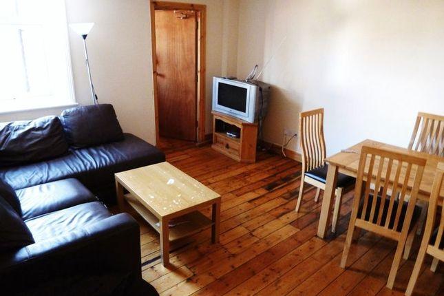 Thumbnail Maisonette to rent in Warwick Street, Heaton