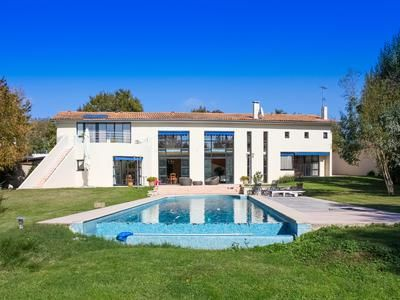 5 bed property for sale in Rochefort, Charente-Maritime, France