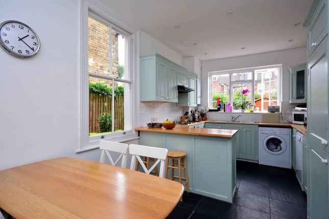Thumbnail Property for sale in Leythe Road, Acton