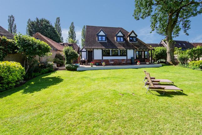 Thumbnail Detached house for sale in Hockliffe Road, Tebworth, Leighton Buzzard