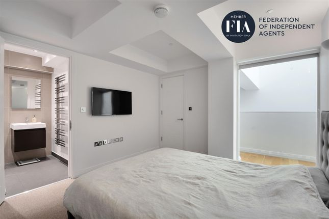 Bedroom of Hoover Building, Perivale, Greenford UB6