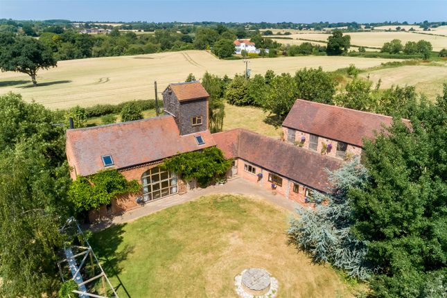 Thumbnail Barn conversion for sale in Packsaddle Hill, Warwick Road, Stratford-Upon-Avon