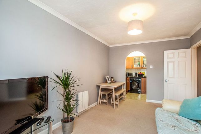 Thumbnail Flat to rent in College Road, Abbots Langley