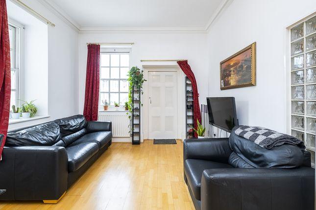 Thumbnail Flat to rent in Fleet Street, London