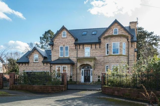 Thumbnail Detached house for sale in Winton Road, Bowdon, Altrincham