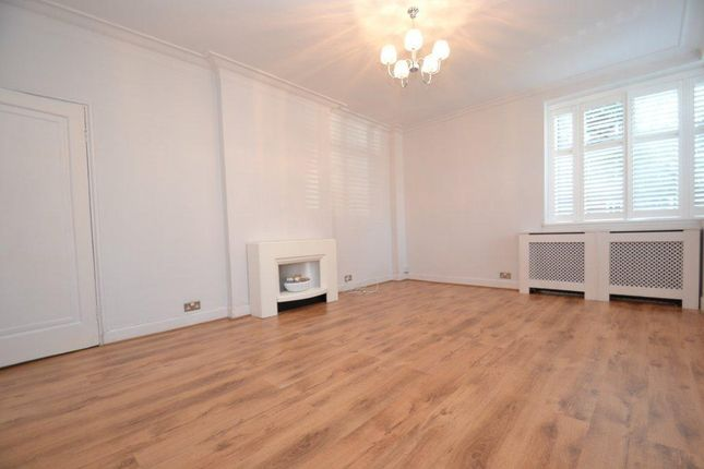 Thumbnail Flat for sale in Sutton Court Road, Chiswick
