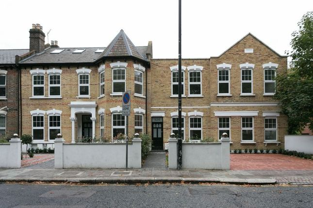 2 bed flat for sale in West Green Road, Turnpike Lane