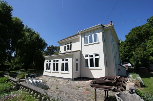 Thumbnail Detached house to rent in Poors Lane North, Benfleet, Essex