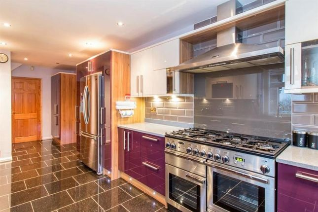 Thumbnail Semi-detached house to rent in Carr Manor Place, Moortown