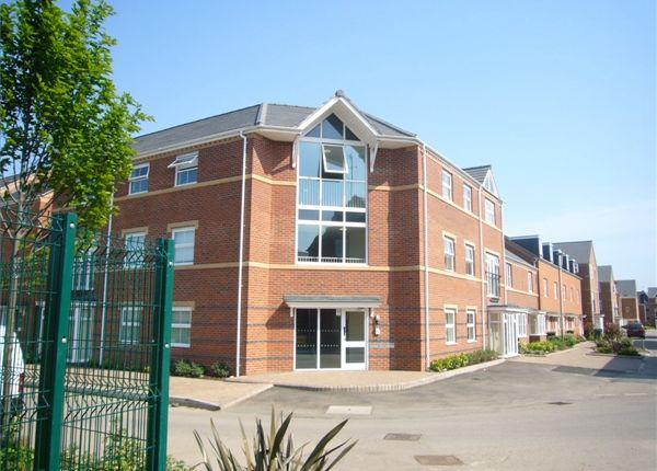 2 bedroom flat to rent in Alma Road, Banbury