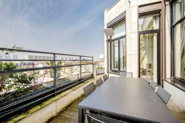 Thumbnail Apartment for sale in Levallois Perret, Paris, France