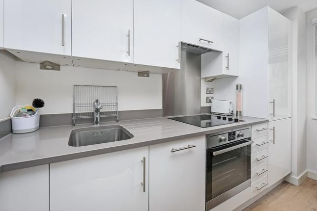 Kitchen of Tyne Street, London E1