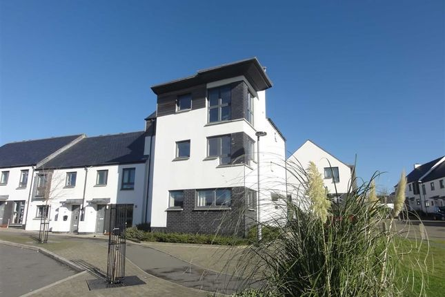 Thumbnail Flat to rent in Bartlett Avenue, Bude, Cornwall