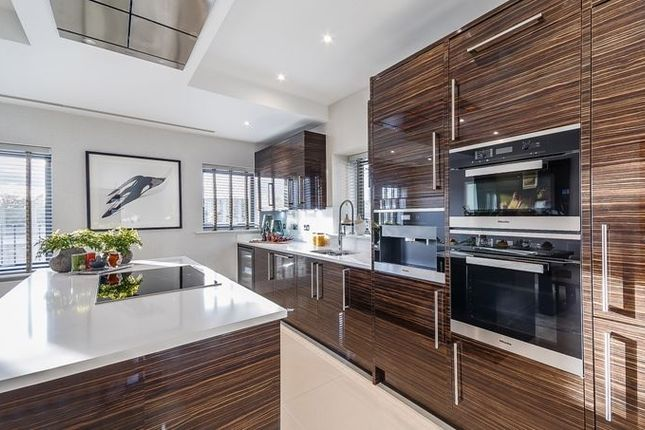 Thumbnail Town house for sale in Rainville Road, London