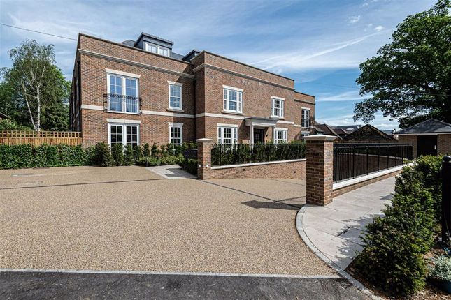 3 bed flat for sale in Newland Heights, Watford Road, Radlett, Hertfordshire WD7
