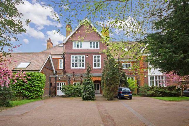 Thumbnail Flat to rent in Longfield Drive, London