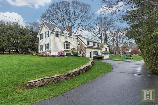 <Alttext/> of New Canaan, Connecticut, United States Of America