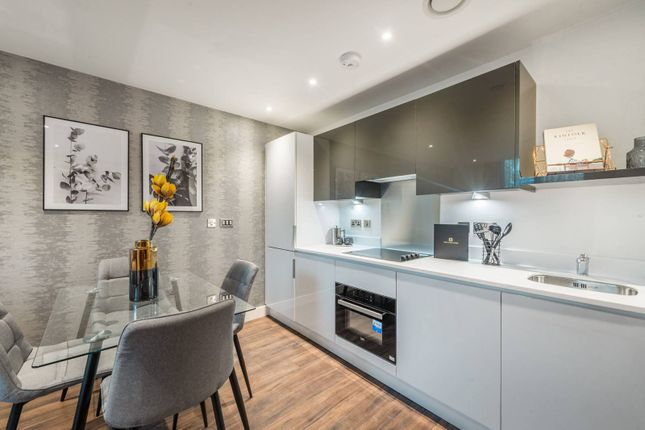 Thumbnail Flat for sale in Bath Road, Slough