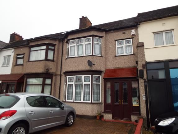 Thumbnail Terraced house for sale in Gants Hill, Essex