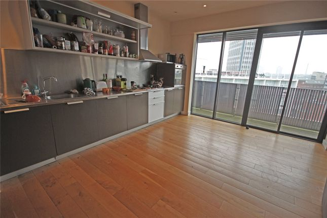 Thumbnail Flat for sale in Metropolitan Apartments, Lee Circle, Leicester