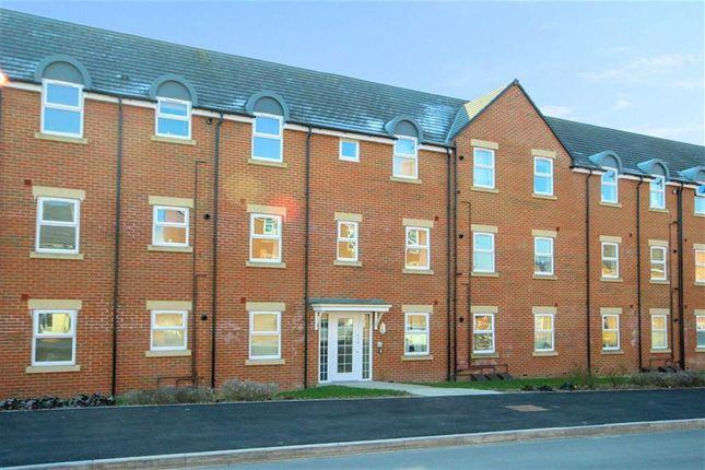 Thumbnail Flat for sale in Cloatley Crescent, Royal Wootton Bassett, Swindon
