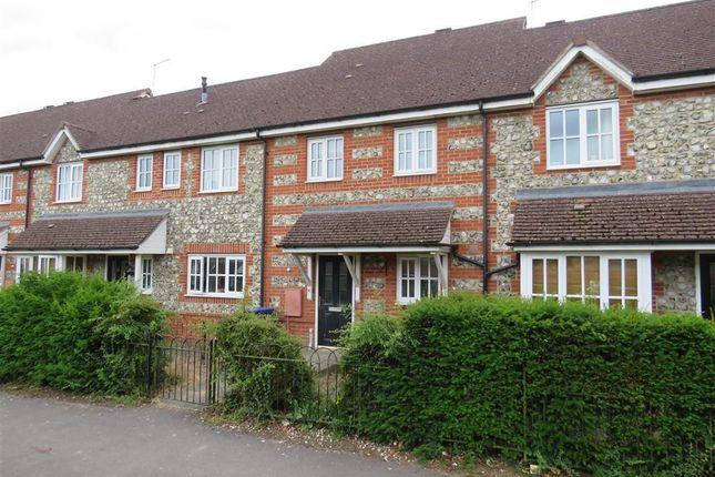 3 bed property to rent in Oaklands Avenue, Amesbury, Salisbury SP4