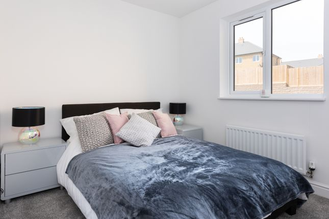 2 bedroom flat for sale in Mason Avenue, Dartford
