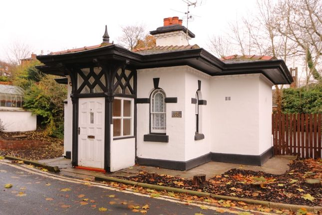 Thumbnail Detached house for sale in Kingston Gardens, Hyde