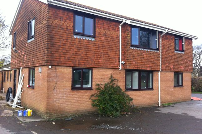 Thumbnail Flat to rent in Ladymead Lane, Churchill, Bristol
