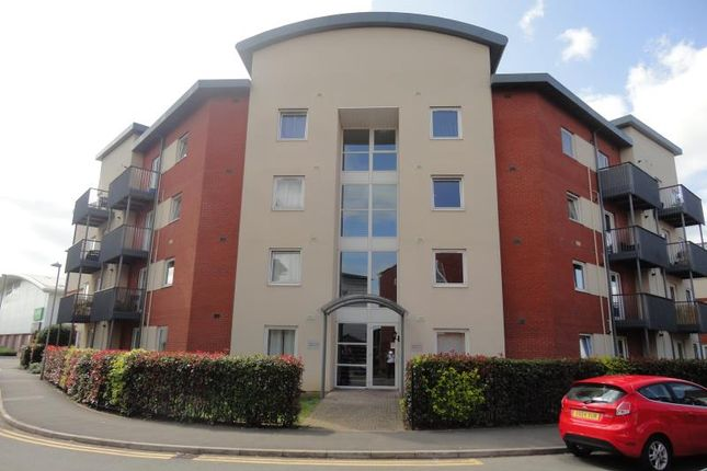 2 bed flat to rent in Longhorn Avenue, Gloucester GL1