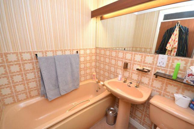 Bathroom of White Lodge, 10 Coastguard Road, Budleigh Salterton, Devon EX9