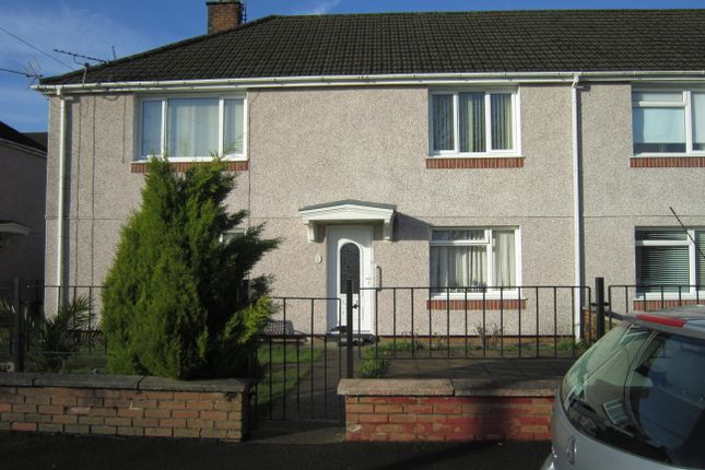Thumbnail Flat for sale in Vale View, Gilfach