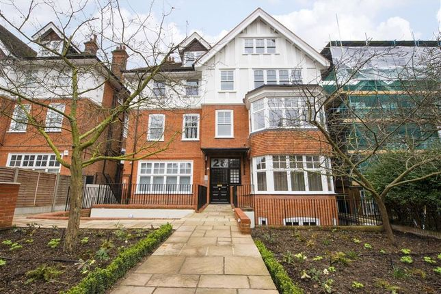 Thumbnail Flat to rent in Lyndhurst Lodge, Belsize Park, London