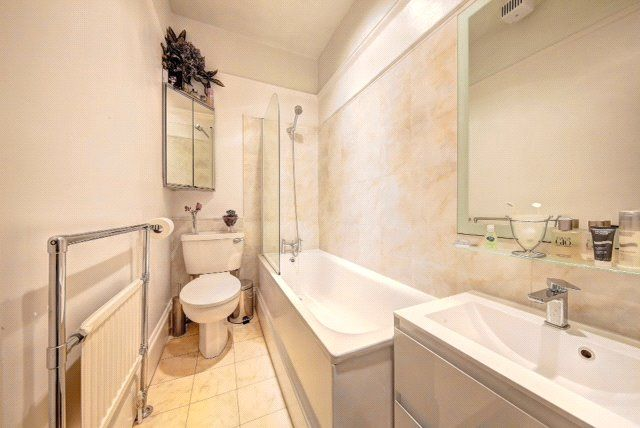Bathroom of Wandsworth Bridge Road, London SW6