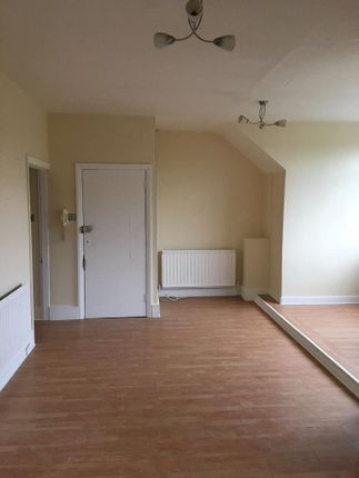 1 bed flat to rent in Morland Avenue, Addiscombe, Croydon