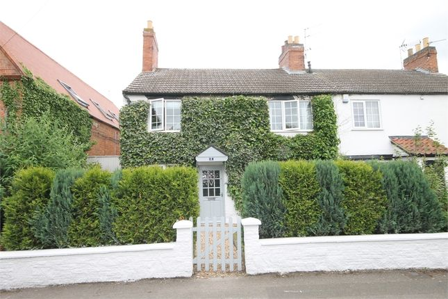 Thumbnail Cottage for sale in Chapel Lane, Farndon, Newark, Nottinghamshire.