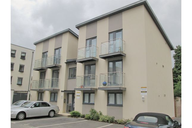 Thumbnail Flat for sale in Montpellier Drive, Cheltenham
