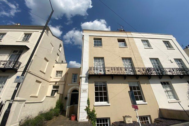 2 bed flat to rent in 35 Dale Street, Leamington Spa CV32
