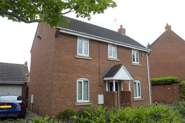 Property to rent in Saunders Close, Peterborough
