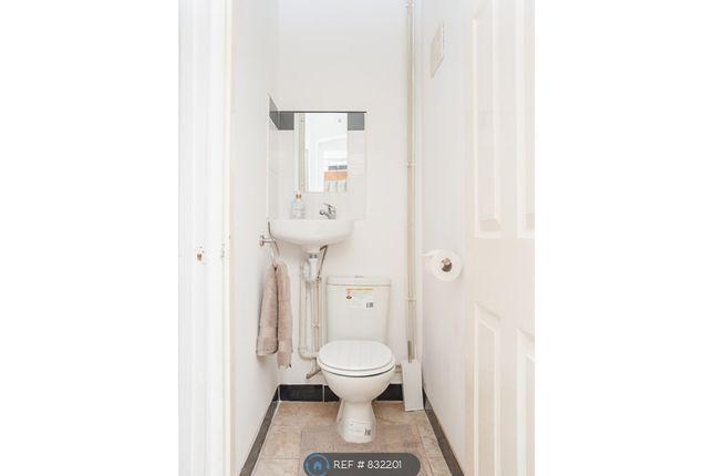 Private Toilet of Bolingbroke Road, Coventry CV3