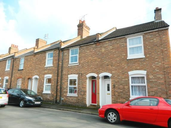 Thumbnail Terraced house for sale in Meadow Road, Warwick, Warwickshire